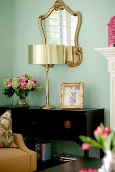 LOVE the color combo- pale turquoise and soft gold.