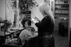 Busy, busy bees today at Samuel David Eco Salon! ✂️🐝 sdhair.co.uk/?utm_content=buffer582a5&utm_medium=social&utm_source=pinterest.com&utm_campaign=buffer #sdhairbristol #samuedavid #hair #hairdressing #blackandwhite #photography #hairdresser #davines #ecosalon #ecofriendly