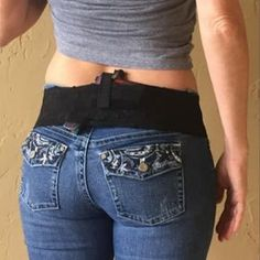 When your pants don't have belt loops or wearing a belt is not an option for a hip holster, the Femme Fatale Hipster Holster is the perfect concealed carry holster for women who seek an on-body carry