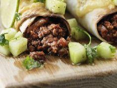 Enchiladas med gurk- och koriandersallad