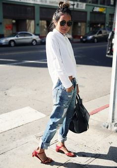 Oversized oxford? Check. Slouchy boyfriend jeans? Check. Red sandals? Check.