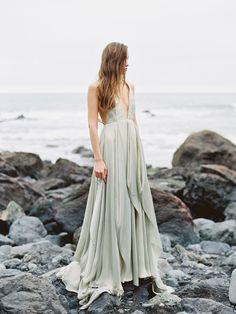 Serene Oceanside Wedding Inspiration   Oncewed.com