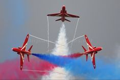 "Royal Air Force ""Red Arrows"" British Aerospace Hawk photo by sunshine band Red Arrow Plane, Raf Red Arrows, Military Jets, Military Aircraft, Air Fighter, Fighter Jets, British Aerospace, Airplane Crafts, Aircraft Photos"