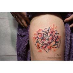 지노스타일 연꽃 허벅지에 딱 ! #tattoo #tattoopeople #flower #watercolortattoo #gnotattoo #busan #lotus#lotustattoo#style#부산타투#연꽃타투#수채화타투#허벅지#부산#서면#여자타투#꽃타투#수채화#느낌#겨울이네