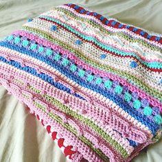 Happy Blanket [Free / Easy Crochet]