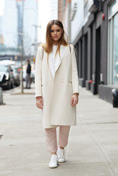 Coat: white winter outfit white top white top pants white pants all white everything winter outfits