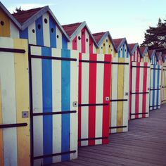1000 images about cabine de plage on pinterest beach huts beach houses an - Cabine de plage armoire ...