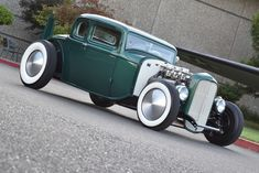 1932 Ford coupe chopped & channeled