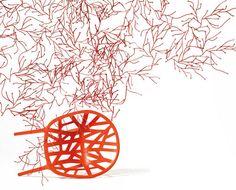 Ronan and Erwan Bouroullec, 2004 Algues zijn interieurbouwstenen en decoratieve elementen tegelijk. De kunststofdelen die aan planten doen denken zijn tot weefselachtige structuren aan elkaar te schakelen, van lichte gordijnen tot ondoordringbaar dichte ruimteverdelers. Voor 1 vierkante meter lichte netstructuur zijn 25 Algues nodig. De Algues worden geleverd in sets van 25 stuks (= 1 m²).
