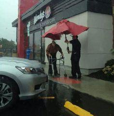 parasoll i regnet