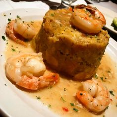 Mofongo These 18 Traditional Dishes Prove That Puerto Rico Has The Best Food Puerto Rican Mofongo, Puerto Rican Dishes, Puerto Rican Cuisine, Puerto Rican Recipes, Pasteles Puerto Rico Recipe, Pastelon Recipe, Mofongo Recipe, Comida Boricua, Boricua Recipes
