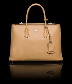 Presenting the newest style by Prada, the Prada Twin Bag. This double handle tote bag is made of Saffiano Cuir leather. Prada Handbags, Prada Bag, Work Handbag, Online Bags, Bag Accessories, Purses And Bags, Shopping Bag, Twins, Satchel