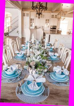 Blue Table Settings, Easter Table Settings, Christmas Table Settings, Blue Christmas Decor, Christmas Home, Simple Christmas, Holly Christmas, White Christmas, Holiday Decor