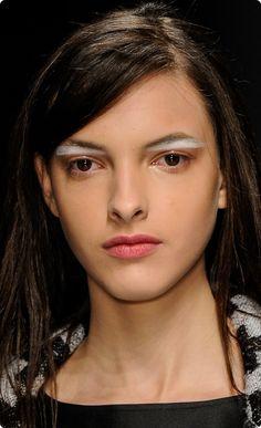 Vitorino Campos makeup by Fabi Gomes / hair by Evandro Ângelo