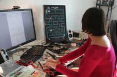 El Pacman orginal, el Space Invaders o Asteroids son algunos de los juegos clásicos que podemos implementar en una FPGA pero si queremos transformar una FPGA en una máquina arcade versátil también tendremos la opción implementando una versión hardware del emulador MAME.