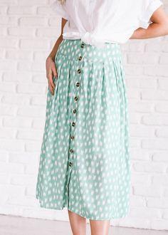 Golden Hour Button Skirt in Seafoam JessaKae Tesettür Mayo Şort Modelleri 2020 Modest Dresses, Modest Outfits, Skirt Outfits, Modest Fashion, Dress Skirt, Modest Clothing, Yoga Clothing, Fashion Top, Fashion Night