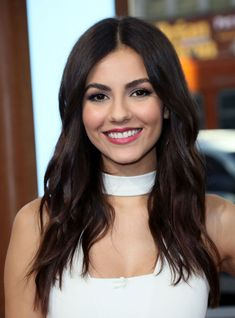 Victoria Justice Visits Hollywood Today Live in West Hollywood Celebstills V Victoria Justice Victoria Justice Fotos, Best Poses For Pictures, Beautiful Celebrities, Beautiful Women, Vicky Justice, Kylie Jenner Hair, Human Poses, She Is Gorgeous, Girl Inspiration