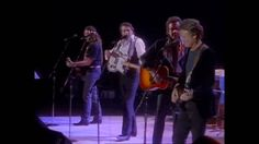 The Highwaymen - Help Me Make It Through The Night Full HD reality is this & does suck...they are both ready to perform for everybody...& the only place that people can perform for us all...& everybody who caught in this trap are ready to make new music...& i know someone told ready to extend his musseum... & as a fan i am ready to hear new music from everybody...love you all...
