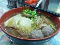Late night post drinking 米線 @ 雲桂川風味米線, Wan Chai