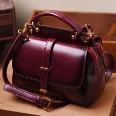 Women Genuine Leather Handbags Famous Brand Handbag Messenger Small Bags Cow Leather Shoulder Bag Fashion Tote Sac A Main Stylish Handbags, Cheap Handbags, Cheap Bags, Handbags Michael Kors, Tote Handbags, Purses And Handbags, Cheap Purses, Handbags Online, Celine Handbags