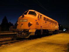 MÁV 006 at Kimle Vasutallomas — Trainspo Diesel, Rail Europe, Train Truck, Locomotive, Around The Worlds, Trucks, Pictures, Travel, Beauty