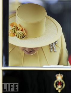 The Queen's Hat, Up Close