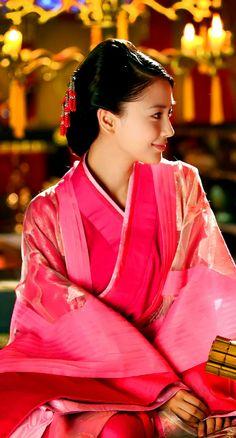 云中歌 / Cloud in the Song - 2015 Chinese period drama series. Starring male lead Lu Yi & female lead Angelababy.