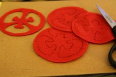 felt+tomato+slice+pattern | ... four red rounds and two maroon rounds using the tomato/onion template