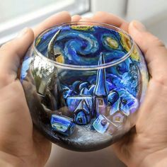 Starry Night Vincent van Gogh inspired glass - All About Decoration Art Painting, Starry Night, Art Drawings, Creative, Amazing Art, Van Gogh Art, Creative Art, Glass Art, Aesthetic Art