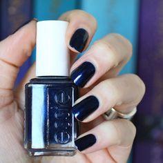 Essie ~ Midnight Cami Best color ever! Nail Polish Hacks, Nail Polish Art, Best Nail Polish, Nail Polish Designs, Nail Polish Colors, Gel Nails, Pedicure, Mani Pedi, Precious Nails
