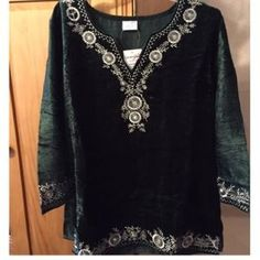 Tops - M-Velvet-y holiday tunic