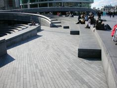 More London - the Scoop Benches and Ramp