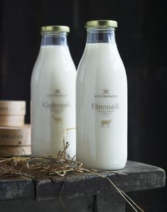 Lovely packaging for Knuthenland Organic Dairy in Denmark. Piyo glass full dhoodh :P Milk Packaging, Simple Packaging, Bottle Packaging, Pretty Packaging, Brand Packaging, Packaging Design, Dairy Packaging, Organic Packaging, Milk Cookies