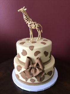 Giraffe Baby Shower Cake Baby Shower Giraffe, Baby Shower Cakes, Crafts To Make, Bridal Shower, Desserts, How To Make, Food, Tortilla Pie, Pastries