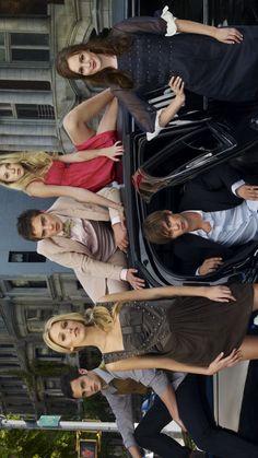 Gossip Girl - all cast (iPhone Gossip Girl Jenny, Gossip Girl Chuck, Gossip Girl Serena, Estilo Gossip Girl, Gossip Girls, Nate Archibald, Dan Humphrey, Gossip Girl Outfits, Gossip Girl Fashion