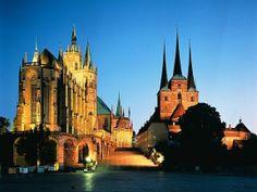 Catedral de Érfurt. Alemania. Es de estilo gótico internacional, y es también conocida como la Catedral de Santa María.  El protestante Martín Lutero fue ordenado sacerdote católico en la catedral en 1507