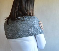 Grey Alpaca Poncho Loose Knit Poncho Thin and Thick wool Coupon Code PIN10 for 10% discount #poncho #grey #looseknit