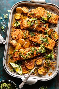 Bringing you all the color with this easy Sheet Pan Salmon with Citrus Avocado Salsa and Potatoes.quick, easy, colorful, super flavorful and delicious! Fish Recipes, Seafood Recipes, Dinner Recipes, Cooking Recipes, Healthy Recipes, Clean Eating, Recipe Sheets, Roasted Salmon, Baked Salmon