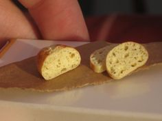 Homemade bread in 1:12 scale by Thaiss T from miniThaiss  https://www.etsy.com/shop/miniThaiss https://www.facebook.com/miniThaiss?fref=ts