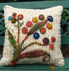 Ideas For Embroidery Pillow Patterns Yarns Crochet Cushion Cover, Crochet Cushions, Knitted Pillows, Patchwork Cushion, Knitting Stitches, Knitting Patterns, Crochet Patterns, Pillow Patterns, Embroidery Patterns