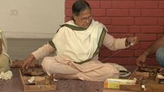 Why this 75-year-old teaches charkha spinning to college students. YouTube video.