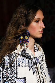 Roberto Cavalli Spring 2017 Ready-to-Wear Accessories Photos - Vogue