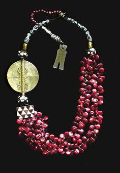 fine art jewellery by Gretchen Schields Ethnic Jewelry, African Jewelry, Bohemian Jewelry, Jewelry Art, Beaded Jewelry, Silver Jewelry, Fine Jewelry, Jewelry Necklaces, Jewelry Design