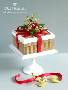 Unusual ribbed effect christmas cake