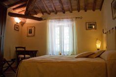 Room of the farmhouse il Castagnolino, San Gimignano, Tuscany