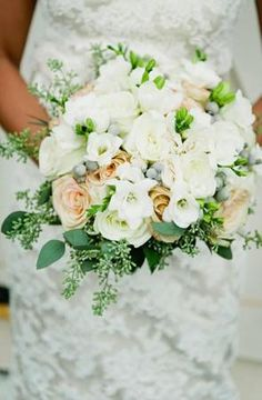 #ivory #grey #peach wedding bouquet (Photo by Kate Connolly Photography)