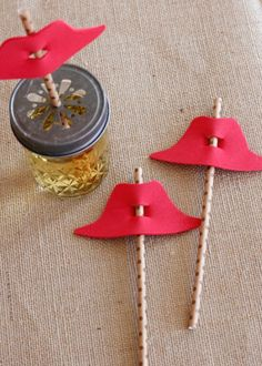 Straw Craft Paddington Bear Hats for a Paddington Bear Birthday Party. Simple, easy party decor! Don't forget to watch the Paddington movie on January 16, 2015! Thanks for sharing these creative ideas, @makeandtakes!