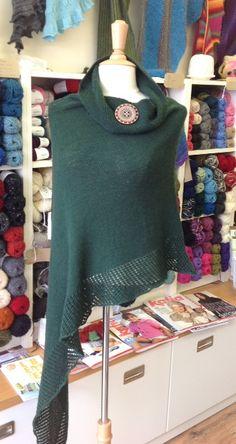 Viajante- love the shawl pin accent.