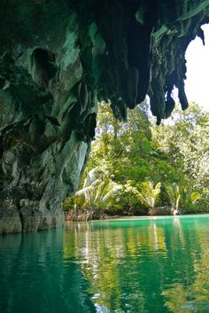 Marvelous Images That Will Blow Your Mind - Under Ground River Puerto Princesa, St. Paul's Mediterranian National Park, Philippines