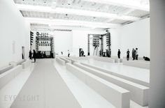 Victoria Beckham Fall/Winter 2014. The set and light designed and produced by EYESIGHT Fashion&Luxury Events